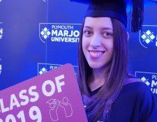 Después de un comienzo difícil, Maddy Hopson desafió sus probabilidades y se graduó en la universidad.