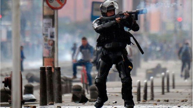 Zonas de Bogotá vivieron disturbios este viernes. AFP