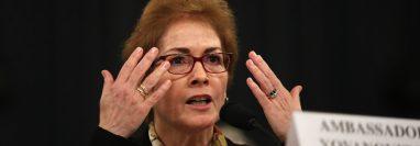 Marie Yovanovitch presentó uno de los testimonios en el caso que involucra al presidente Donald Trump. (Foto Prensa Libre: AFP)