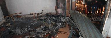 Parte de los destrozos causados por pobladores en Deocsa. (Foto Prensa Libre: Mynor Toc)