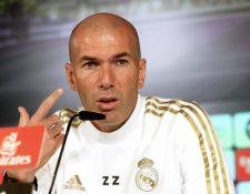 El entrenador francés del Real Madrid Zinedine Zidane, durante la rueda de prensa del equipo esta mañana en la Ciudad Deportiva de Valdebebas. (Foto Prensa Libre: EFE)