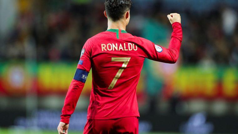 Cristiano Ronaldo es uno de los grandes referentes del futbol mundial. (Foto Prensa Libre: EFE)