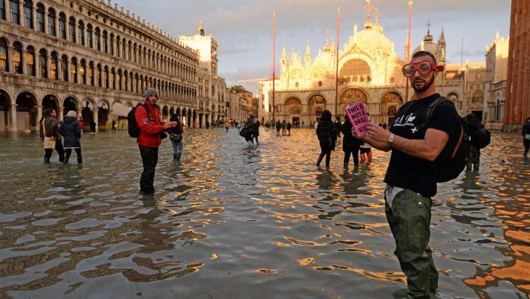 Hay otras dos ciudades en riesgo por el aumento del agua en Venecia. (Foto Prensa Libre EFE)