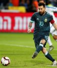 El delantero argentino vuelve a la Albiceleste después de una suspensión. (Foto Prensa Libre: EFE)