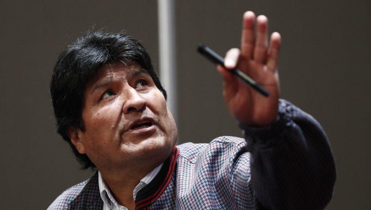 Los hijos de Evo Morales aún permanecían en Bolivia, pero este sábado salieron rumbo a Argentina. (Foto Prensa Libre: EFE)