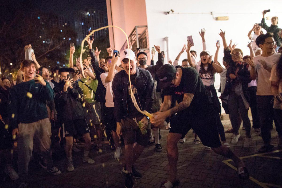 Victoria abrumadora de la oposición prodemocracia en las urnas en Hong Kong