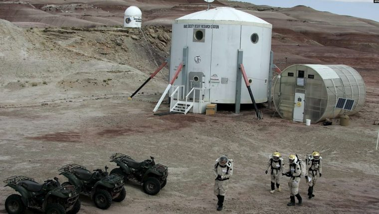 Muchos proyectos científicos hacen pruebas ya en tierra para colonizar Marte. (Foto: EFE)