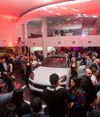 Ante un grupo selecto de invitados fue presentada la nueva versión de la Porsche Cayenne Coupé. Foto Prensa Libre: Cortesía