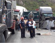 Lugar del accidente en el km 30 de la ruta al Atlántico. (Foto Prensa Libre: Cortesía Cristian Acevedo).