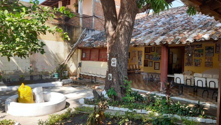 La sede de AZCCA es una construcción que tiene 300 años que fue otorgada como usufructo de 60 años por el Ministerio de Cultura y Deportes en el 2004. (Foto Prensa Libre: Cortesía Vilma Sánchez)
