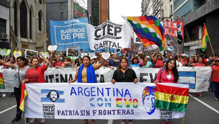 La renuncia de Evo Morales a la Presidencia de Bolivia agudizó la crisis política, económica y social que vie América Latina. (Foto Prensa LIbre: AFP)