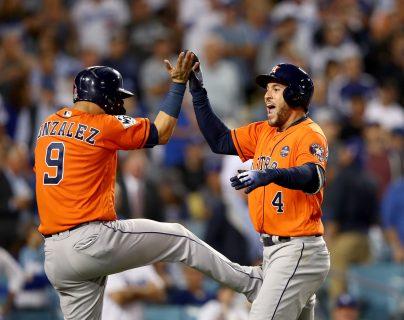Los Houston Astros están en problemas por una investigación de la MLB. (Foto Prensa Libre: AFP)