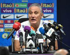 Tite, técnico de la Selección de Brasil, en conferencia de prensa. (Foto Prensa Libre: AFP)