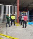 Piloto de bus asaltado pidió ayuda en la estación de Bomberos Voluntarios de San Lucas Sacatepéquez. (Foto Prensa Libre: Cortesía).
