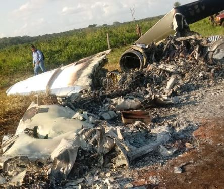 Avioneta incinerada localizada en Petén. (Foto Prensa Libre: MP).