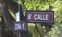 Las calles de San Juan Alotenango están señalizadas para facilitar la ubicación de sectores y vecinos. (Foto Prensa Libre: Cortesía)