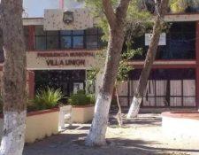 En redes sociales circularon varios videos del ataque en Villa Unión, Coahuila, México. (Foto Prensa Libre: Twitter @machirobot)
