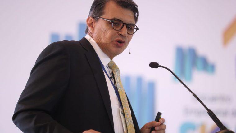 Hugo Beteta Méndez-Ruiz, director de la sede subregional de la Comisión Económica para América Latina (Cepal), afirmó que el ejercicio de transición política que ha mandado señales de certidumbre a los mercados, un proceso ordenado a los institucional y eso abona a mantener un clima de confianza y expectativas. (Foto Prensa Libre: Hemeroteca)