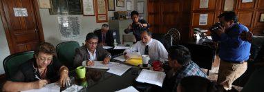 El concejo aprobó la suspensión de la compra de camiones para la Municipalidad de Quetzaltenango. (Foto Prensa Libre: María Longo)