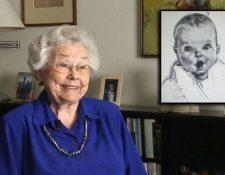 Ann Cook Turner cuando cumplió 92 años. A un costado el boceto que usa la marca Gerber. (Foto Prensa Libre: Tomada de Fox5dc).