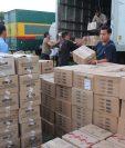 El cálculo del CABI indica que la recaudación total caerá por encima de los Q1 mil millones este año por el contrabando. (Foto Prensa Libre: Hemeroteca)