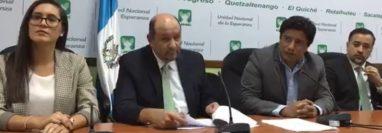 Conferencia de miembros de la bancada UNE. (Foto Prensa Libre:  Bloque UNE).