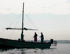 Pescadores pasan horas en el mar sin hallar peces. Deutsche Welle