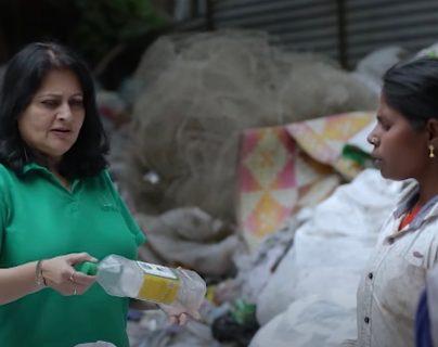 Empresa se percató que el plástico está hecho de combustible fósil. Deutsche Welle