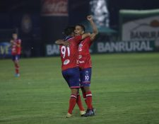 Cristian Albizures anotó un doblete en el triunfo de Xelajú sobre Siquinalá. (Foto Prensa Libre: Raúl Juárez)