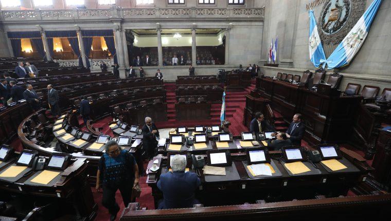 Sesión plenaria en el Congreso de la República en la que se buscaba aprobar el presupuesto 2020. (Foto Prensa Libre: Érick Ávila)