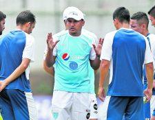 Amarini Villatoro ya eligió a sus futbolistas para las próximas dos citas de la Bicolor. (Foto Prensa Libre: Hemeroteca PL)