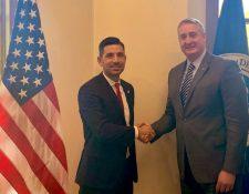 Enrique Degenhart, ministro de Gobernación guatemalteco, y Chad F. Wolf, secretario interno de Seguridad Nacional de Estados Unidos, se reunieron hoy en Washington. (Foto Prensa Libre: Mingob/Twitter)