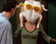 """En varios capítulos de la serie """"Friends"""", los protagonistas celebran el """"Día de Acción de Gracias"""". (Foto Prensa Libre: Friends)"""