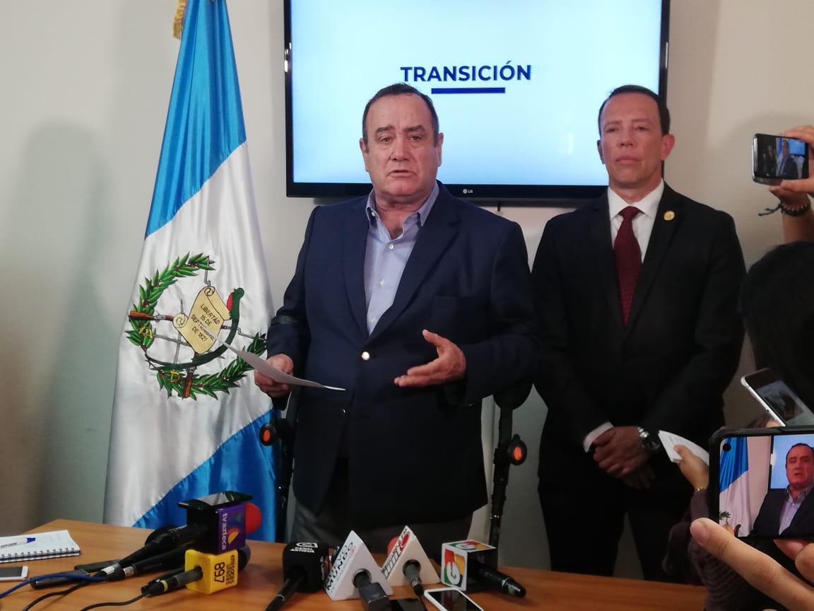 De qué habló Alejandro Giammattei con Joviel Acevedo durante una reunión en la Casa del Maestro