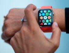 Google acordó el viernes comprar Fitbit por US$2.100 millones en un movimiento que le da al gigante tecnológico de EE. UU. Una nueva entrada en el espacio de tecnología portátil y lo ayuda a aumentar su desafío a Apple. (Foto Prensa Libre. AFP)