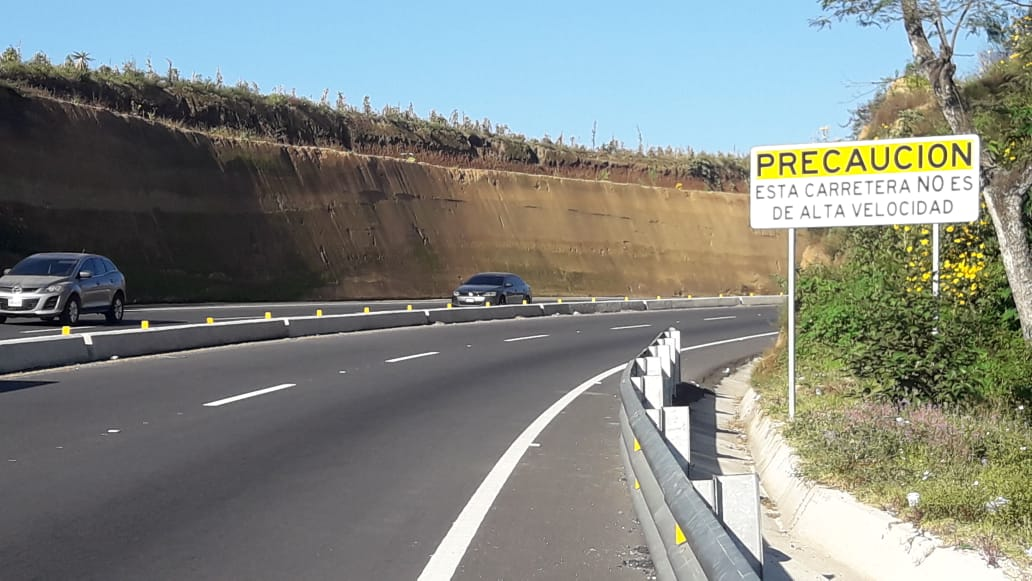 Velocidad límite en libramiento de Chimaltenango es de 80 km por hora, pero pilotos superan los 120 y causan accidentes