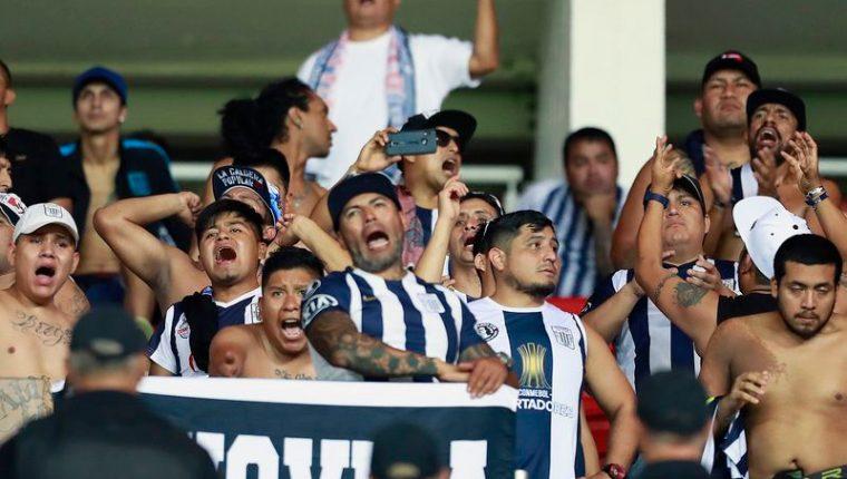 Fanáticos del futbol peruano provocaron un nuevo acto de violencia que dejó dos muertos. (Foto Prensa Libre: Redes)