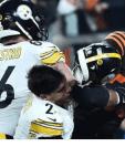 Violenta agresión de Myles de los Browns a Mason Rudolph de los  Steelers de Pittsburgh en la NFL. (Foto Prensa Libre: Redes)