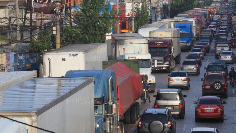 https://www.prensalibre.com/wp-content/uploads/2019/11/NAC-030817-EP-TRAFICO-CALLE-MARTI-ACCIDENTE-DE-TRAILER-009_48133858.jpg?quality=82&w=760&h=430&crop=1