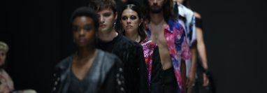 Scarabeés presenta su colección en el Mercedes-Benz Fashion Show GT en Ciudad Cayalá. Fotografía Prensa Libre:  Miriam Figueroa