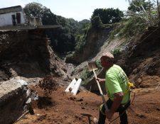 Un derrumbe ha puesto en alerta a los vecinos de la zona 3 de Boca del Monte. Foto Prensa Libre: Óscar Rivas