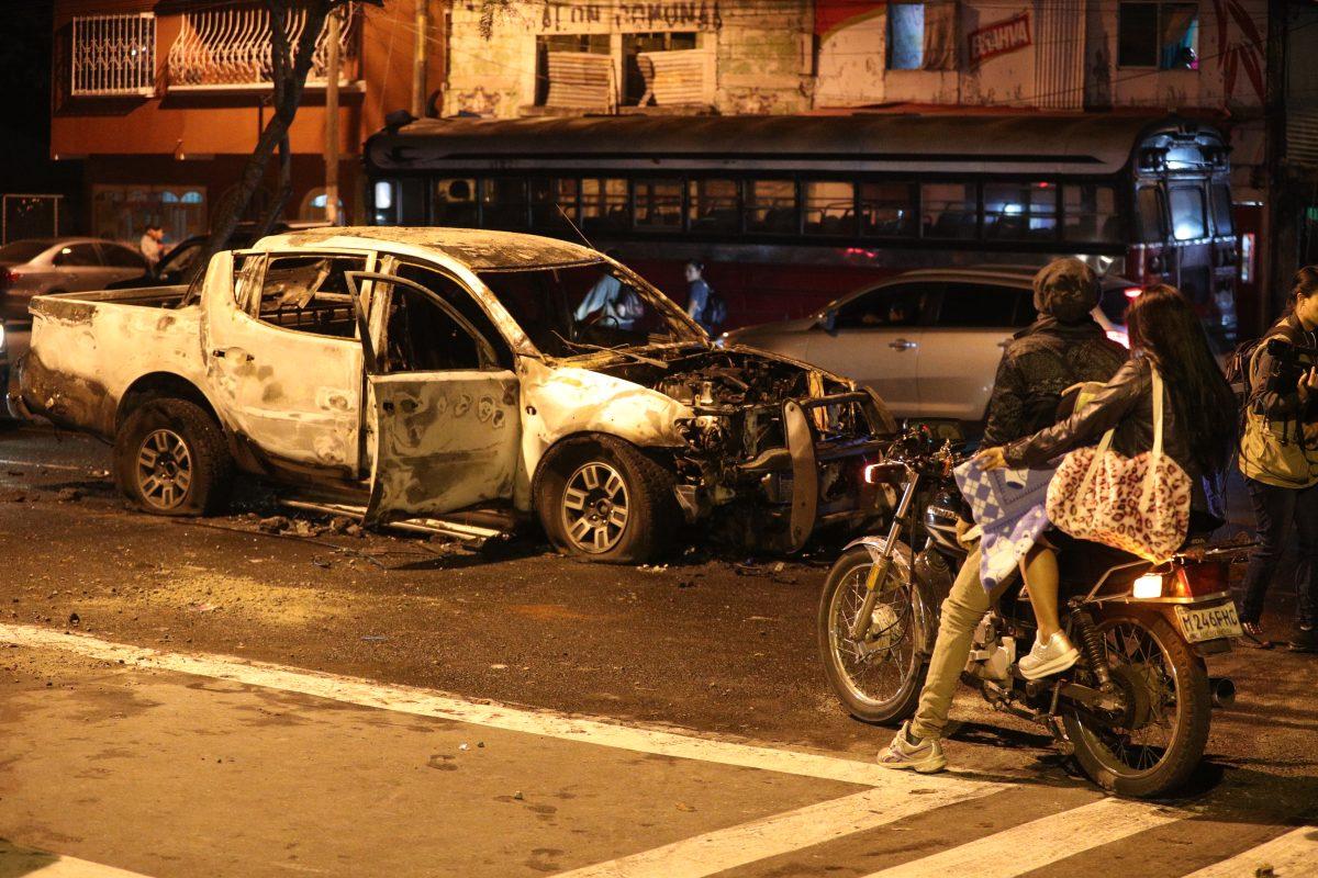 Fotogalería: enfrentamiento entre agentes de la PNC ocasiona disturbios en la zona 7