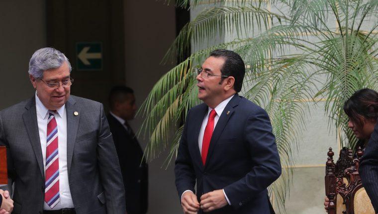 Jimmy Morales y Jafeth Cabrera podrían asumir como miembros del Parlacén el 14 de enero durante la tarde. (Foto Prensa Libre: Hemeroteca PL)
