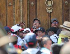 Joviel Acevedo, dirigente sindical, es uno de los mayores negociadores del pacto colectivo de trabajadores del Mineduc. (Foto Prensa Libre: Hemeroteca)