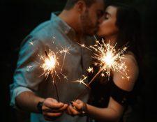 ¿Está listo para celebrar su primera Navidad como matrimonio? Se trata de una fecha muy importante porque éste será el momento para empezar algunas de las tradiciones de su nueva familia. (Foto Prensa Libre: Servicios)
