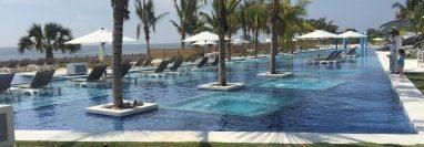 Área de piscinas y entretenimiento se encuentran en Oceana resort + conventions en Iztapa. (Foto Prensa Libre: Paula Ozaeta)