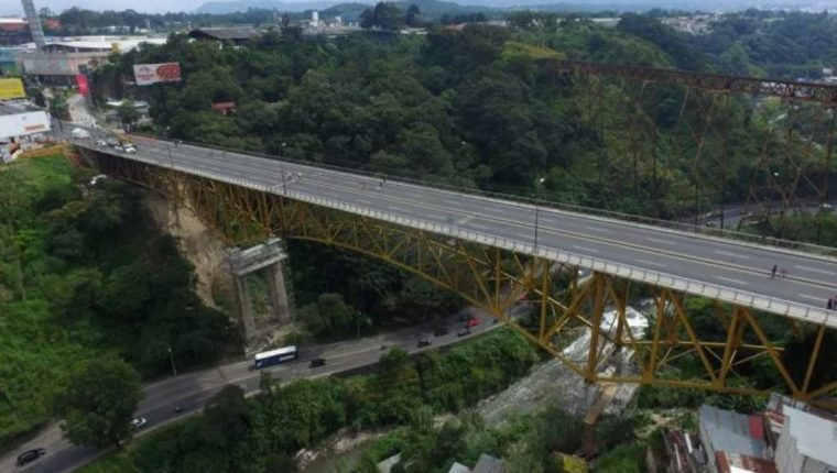 El puente Belice permanecerá cerrado por trabajos en su estructura. (Foto Prensa Libre: Hemeroteca PL)
