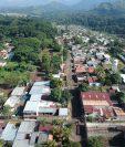 La colonia tiene más de 15 años de haber sido fundada, por lo que los vecinos temen que el sistema de drenajes haya colapsado. (Foto Prensa Libre: Carlos Paredes)