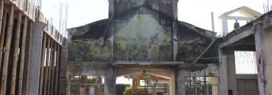 La iglesia católica de Santa Bárbara Suchitepéquez, se incendió la noche de del 13 de agosto de este año. (Foto Prensa Libre: Marvin Tunchez)