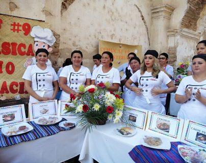 Mujeres de Chiquimula fueron capacitadas en cocina y repostería. (Foto Prensa Libre: Dony Stewart)